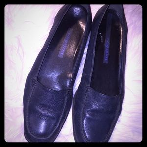 Easy Spirit Nifty navy leather shoes. 9 1/2